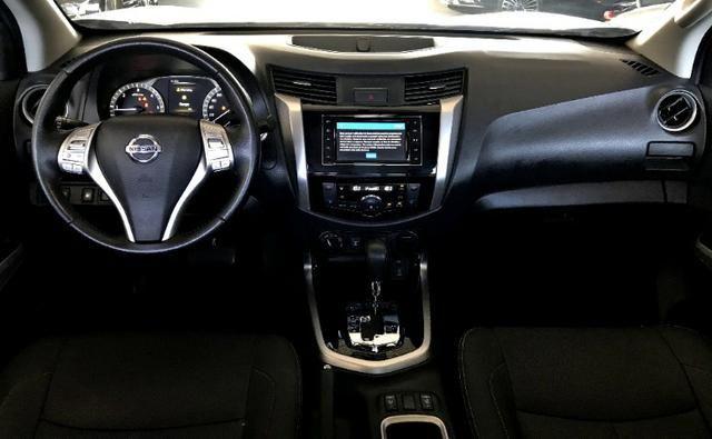 Nissan Frontier LE CD 4x4 2.3. Prata 2017/17 - Foto 6