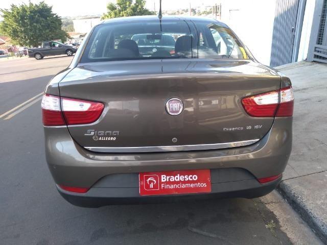Gran Siena Essence 1.6 flex Dualogic 2013 43800km - Foto 5