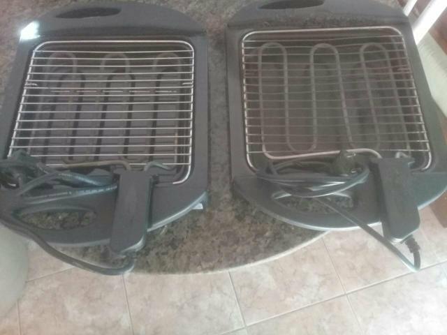 Duas churrasqueiras eletricas