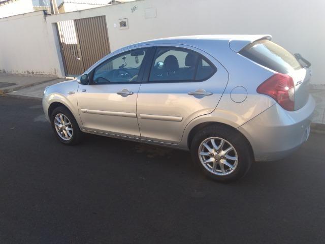 Vende-se ou troca por carro de menor valor um JAC J3 - Foto 6