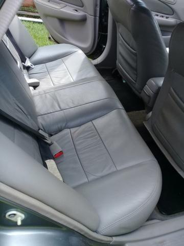 Vende um corola câmbio automático 2001 - Foto 9