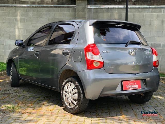 Toyota Etios 2013 1.3 HB XS 16V Flex 4P/ Ar Condicionado/ Completo - Foto 3