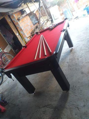 Mesa Tentação 4 Pés Laterais Cor Tabaco Tecido Vermelho Mod. PEZG1991