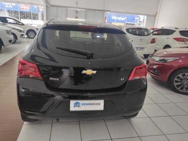 Chevrolet Onix LT 25.000 km Impecável - Foto 4
