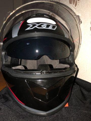 Capacete Revo X11 com viseira solar - Foto 5