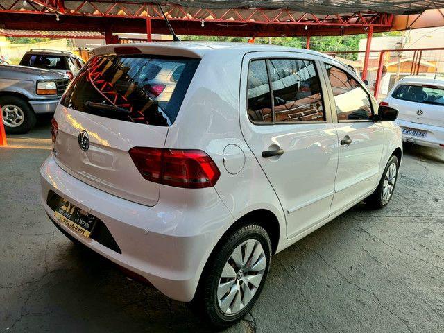 VolksWagen Fox Trendline 1.0 Flex Completo - Foto 4