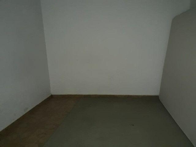 Casa 3 cômodos Jd Tarumã. Incluso água, luz, IPTU e garagem pra 2 carros pequenos. - Foto 7