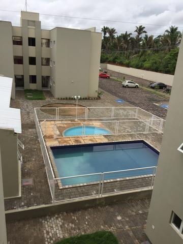 Alugo apartamento no condomínio Alto das Palmeiras