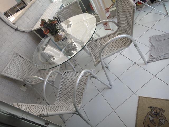 Apartamento em Jardim Camburi, três quartos