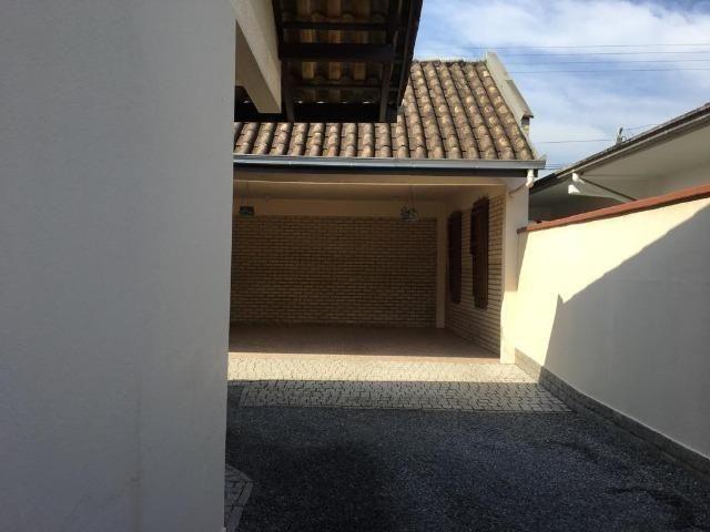 Linda casa no bairro iririú | 01 suíte + 02 dormitórios | averbada - Foto 3