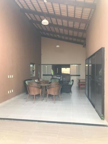 Casa térrea com 310m² - 3 suítes - sala de cinema ? 4 vagas e a 20 minutos de Ponta Negra - Foto 13
