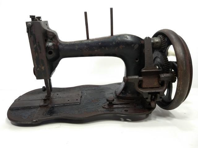 Antiga De Máquina Costura Manual Manivela Retro Vintage Raro - Foto 4