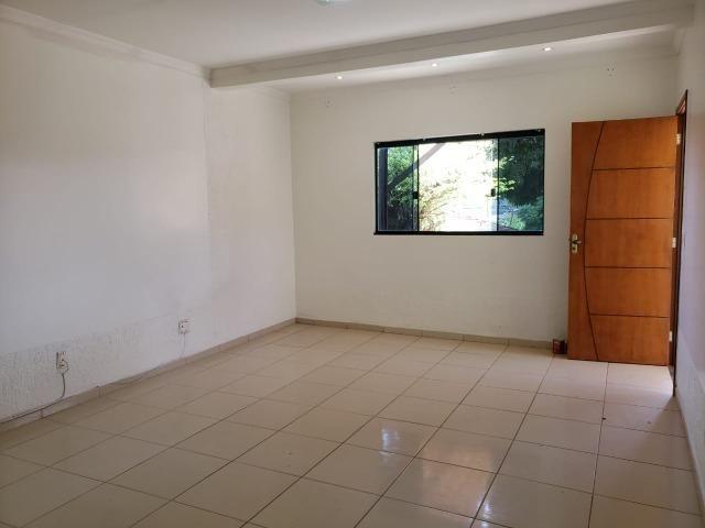 Excelente localização, Rua 08, 03 quartos, 01 suíte com closet, lote 400m² - Foto 9