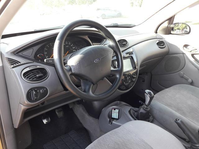Ford Focus 1.8 16v 2001 - vendo ou troco - Foto 5