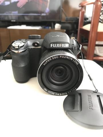 Câmera semi profissional Fujifilm Finepix s3300. Zoom óptico de 26x. 14mp