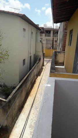 2 Quitinetes próximo a Maria Lacerda - Foto 15