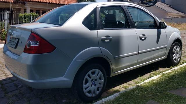 Fiesta sedan 1.0.$18.800 - Foto 9