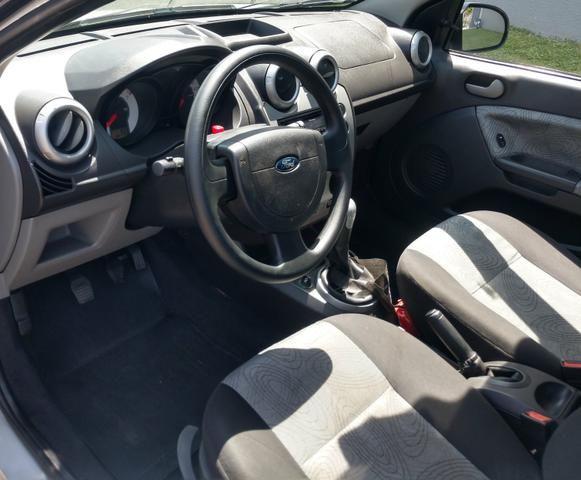 Fiesta sedan 1.0.$18.800 - Foto 6
