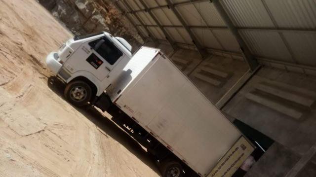 Vendo caminhão com ar condicionado - Foto 2