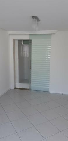 Apartemento no Condomínio Parque Caujeiro