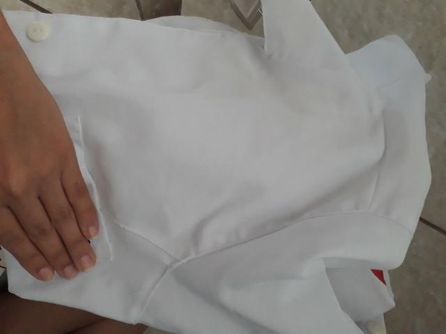 Vendo jaleco novo bordado,roupa azul do centro cirúrgico e duas louças personalizadas