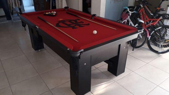 Mesa Charme Semi Cor Preta Tecido Vermelho Logo Flamengo Mod. GBOP6486 - Foto 2