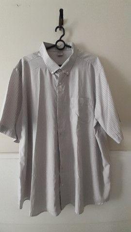 Camisa manga curta com botões - detalhes na descrição