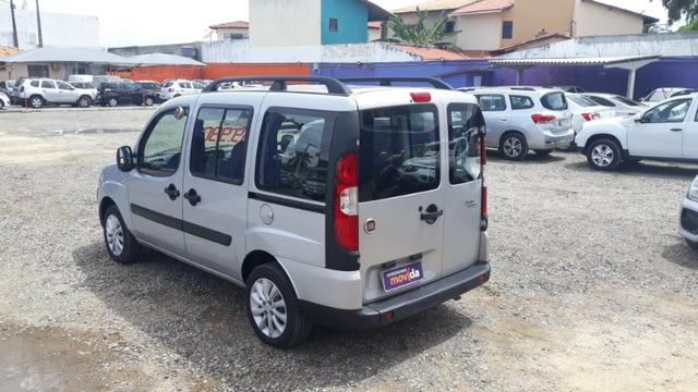 Fiat Doblo Essence 1.8 Flex 16V 5p - Prata - Foto 7