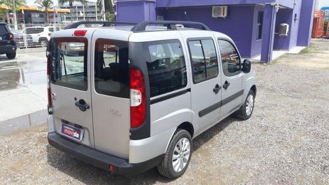 Fiat Doblo Essence 1.8 Flex 16V 5p - Prata - Foto 9