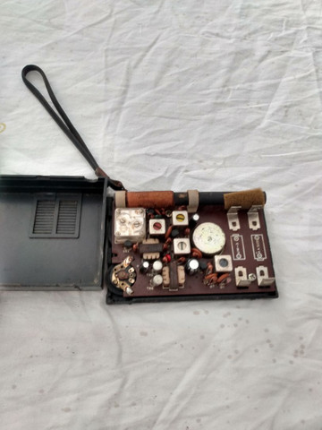 Rádio antigo itoka ST _6A 6_TR_ AM funcionando R$ 100,00 whatsapp * - Foto 3