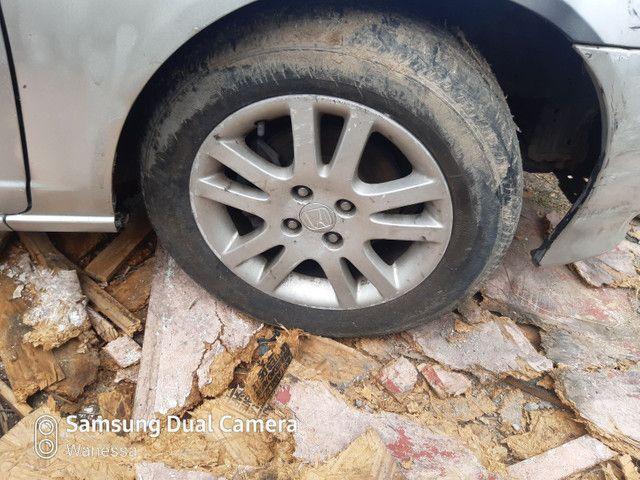 4 pneus com aros 15 Honda Civic  - Foto 2