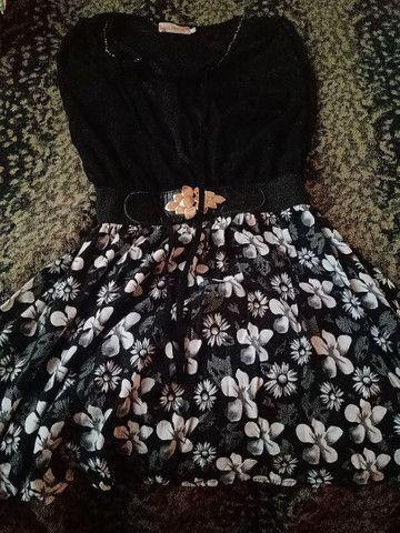 vestido preto florido