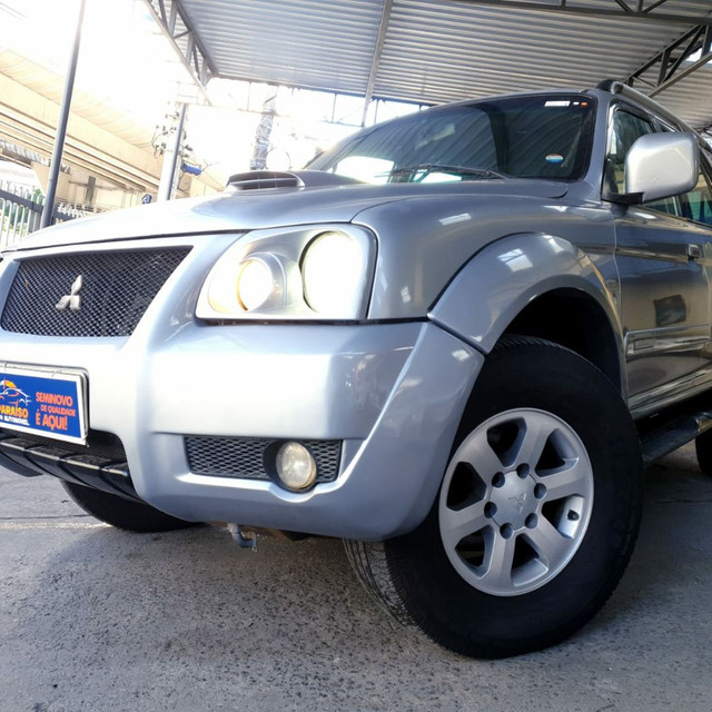 Mitsubishi pajero sport HPE 2.5 Turbo Diesel 4X4 AT  5L