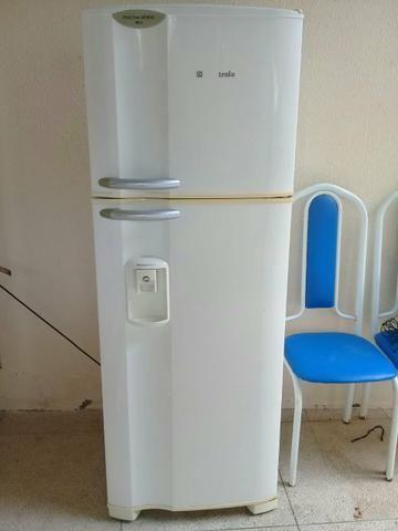Geladeira Eletrolux Frost Free DFW35 - 2 Portas