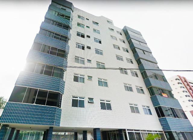 Apartamento bem localizado de 166m² com 5 quartos e 3 suítes no Tirol à venda