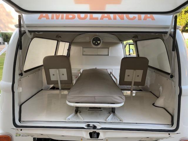 Kombi 2005 12.000km rodados Ambulancia Reliquia Raridade Unica - Foto 7