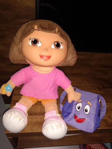 Boneca Dora Aventureira