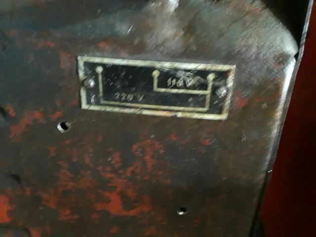 Maquina de solda 300 Ah marca o soldador - antiga em perfeito estado de funcionamento - Foto 4