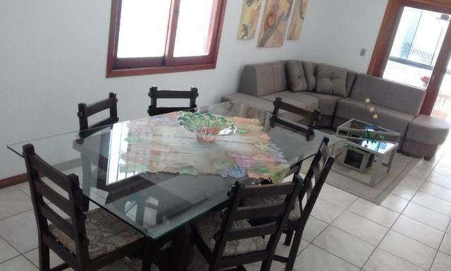 Apartamento confortável enorme e bem localizado- aluguel de temporada! Cel com Whats - Foto 5