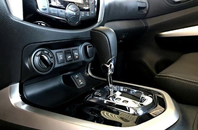 Nissan Frontier LE CD 4x4 2.3. Prata 2017/17 - Foto 11