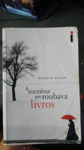 A Menina que roubava livros de Markus Zusak