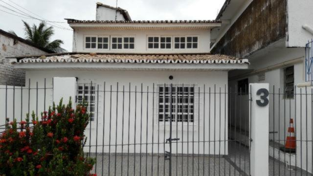 Casa para alugar com 5 dormitórios em Centro, Lauro de freitas cod:LF410