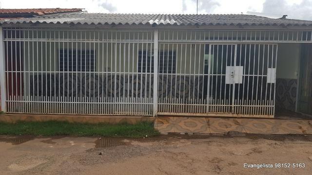 Ceilândia Norte Aceita Financiamento e FGTS- Casa de 3 Quartos na Laje