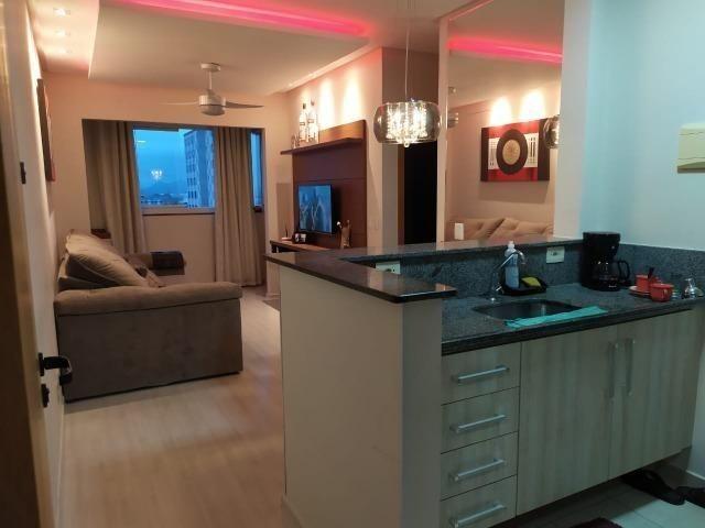 FM - Apartamento no condomínio Riviera 2 quartos com suíte / próximo à Vitória