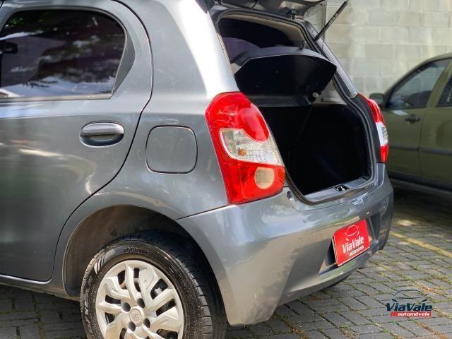 Toyota Etios 2013 1.3 HB XS 16V Flex 4P/ Ar Condicionado/ Completo - Foto 7