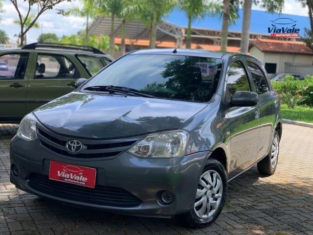 Toyota Etios 2013 1.3 HB XS 16V Flex 4P/ Ar Condicionado/ Completo - Foto 4