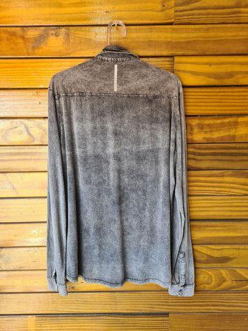 Camisa Calvin Klein estonada marmorizada - Foto 5