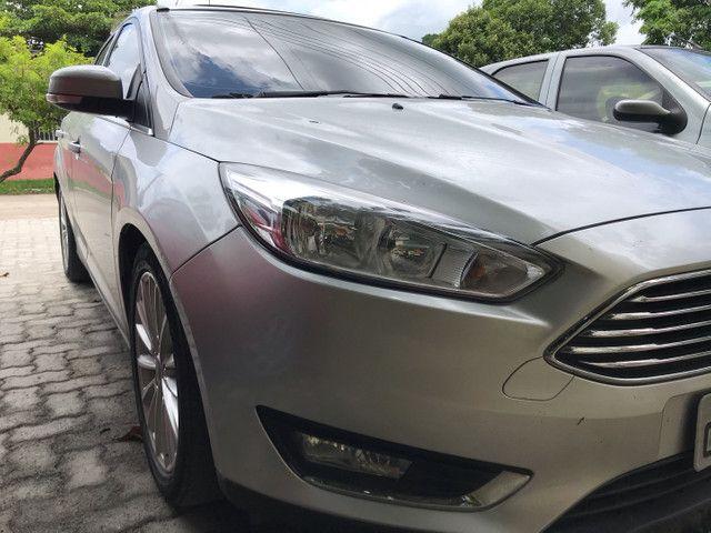 Ford Focus Sedan 2.0 Titanium automático com Teto - Foto 2