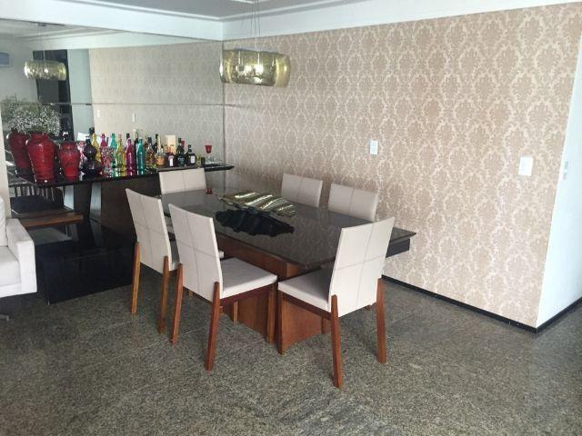 Apartamento em Petropólis com 04 quartos