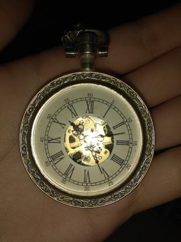 Relógio Antigo de Corda mecânico